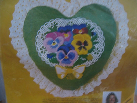 Vintage Embroidery Crewel Kit Valentine Heart Pillow
