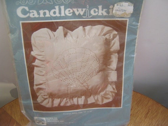 Vintage Craft Kit Embroidery Candlewicking Pillow Shell Design
