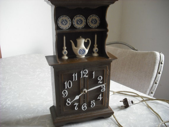 Vintage Wall Clock Miniature Cabinet with Delft Ware