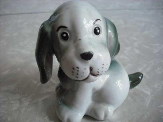 Vintage Figurine Ceramic Beagle Dog