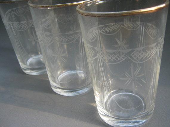 Vintage Glasses Set of Eight Etched Sunburst