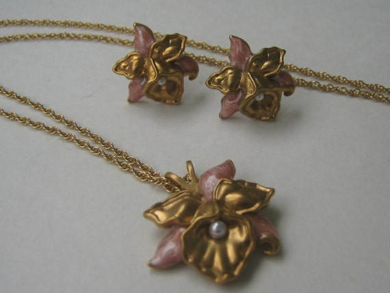 Vintage Necklace Earring Avon Precious Orchid