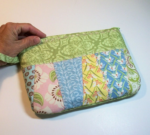 Zippered Clutch Quilted in Verna Cotton Fabric