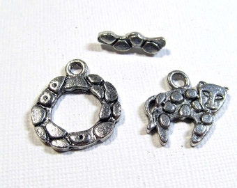 Metal Toggle Clasp - Silver Plated Leopard Print with Charm (1 clasp) - tog132