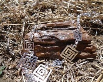 Square Spiral Silver Necklace / 178