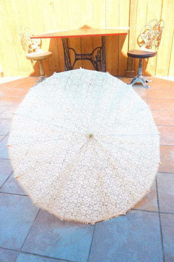 Antique 1920s-1930s All LACE PARASOL Sun Umbrella Lucite Handle