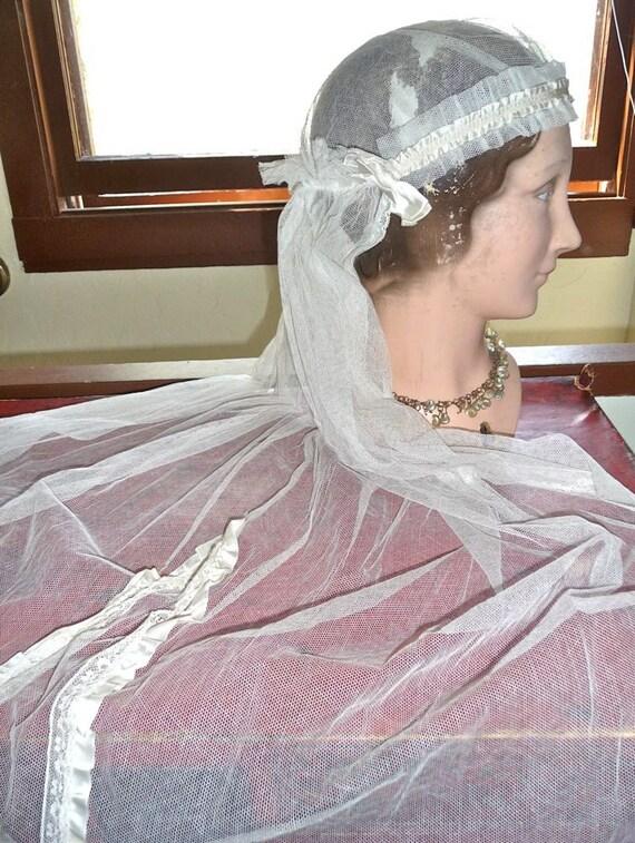 Antique 1920s Flapper Bonnet Style Wedding Cap & Veil Satin Bows Tulle Netting