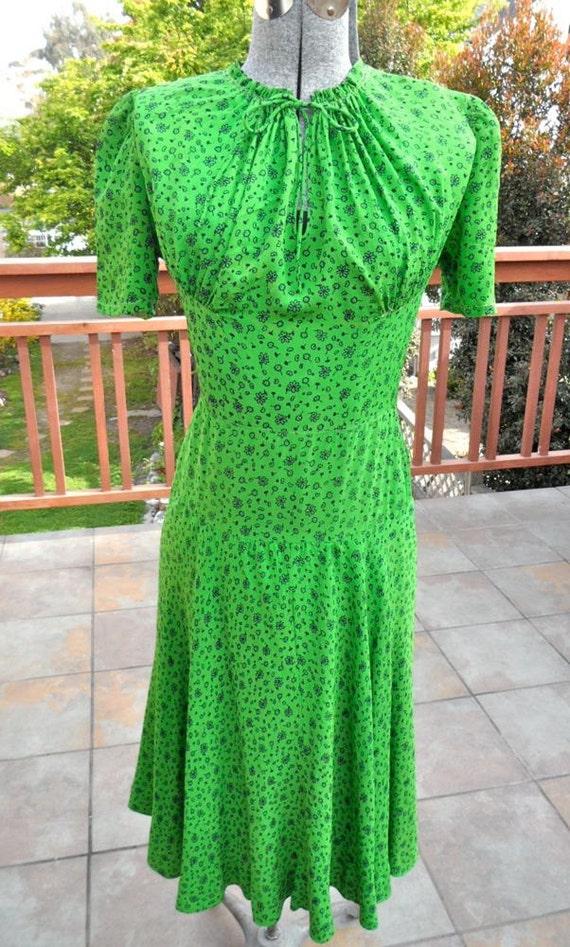 1930s Saks Fifth Avenue Frock Dress Lime Green Tiny Floral Print Adorable Debutante Shop xs
