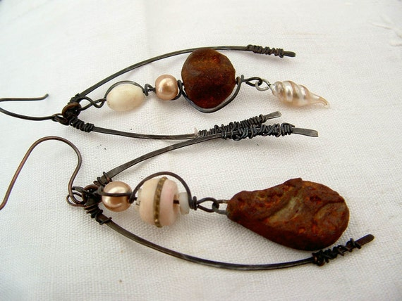 Silentium asymetrical miss matched cream rusted assemblage tribal sci-fi dangle earrings