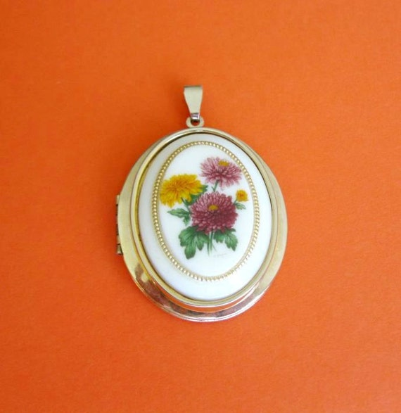 Large Vintage Locket cameo style with colorful flowers