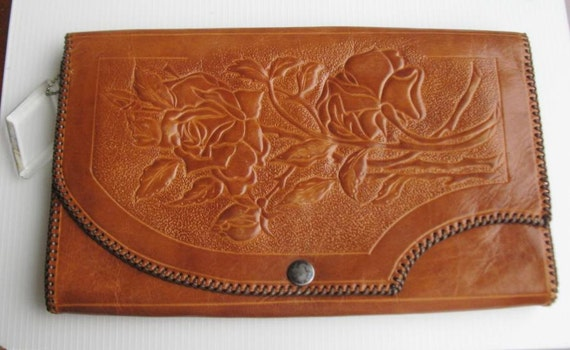 Vintage hand-tooled leather bag 1940s/50s flower theme with lucite dangle