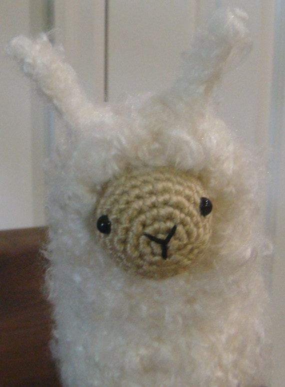 Fluffy the Alpaca-Llama Amigurumi Crochet Pattern