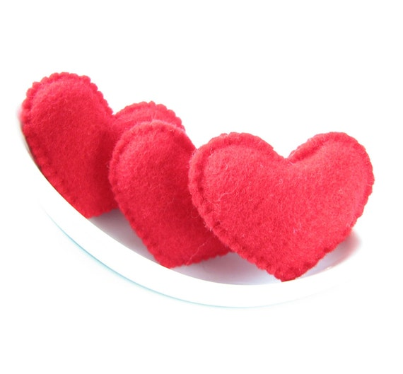 Red felt Valentine's hearts (high quality)