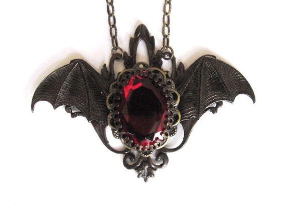 Items similar to Gothic Jewelry, Vampire Bat Necklace ...