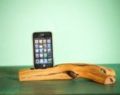 iPhone dock by Woodtec: Re-Conect with nature as you charge your Apple devices