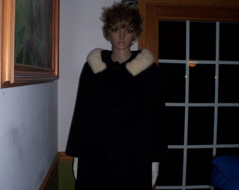 Womens Coat- Black  with  Real Fur Collar. Swing jacket Vintage Arbaughs Winter Coat