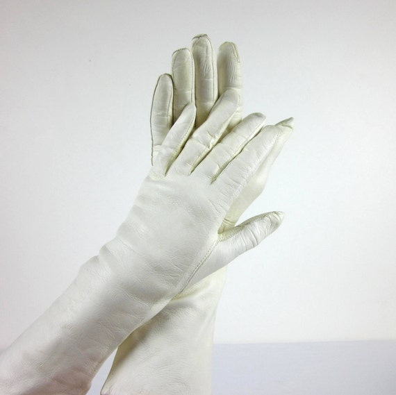 Vintage Italian Cream Leather Gloves / size womens 6.5 or extra small