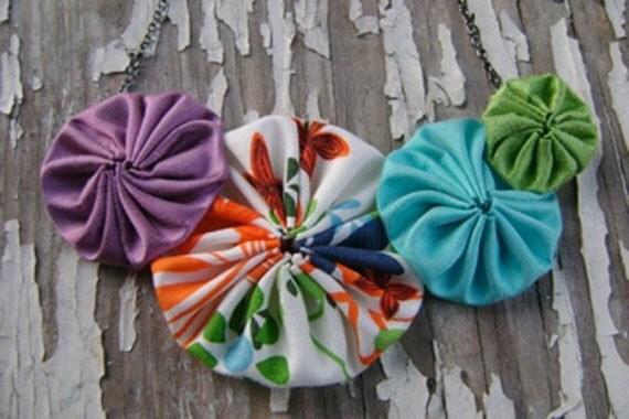 yo-yo flower necklace, silk, cotton, handmade. spring rainbow