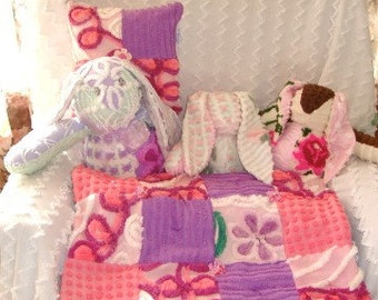 CUSTOM QUILT SAMPLE - Spring Hill Daisy Vintage Chenille Quilted Lovey