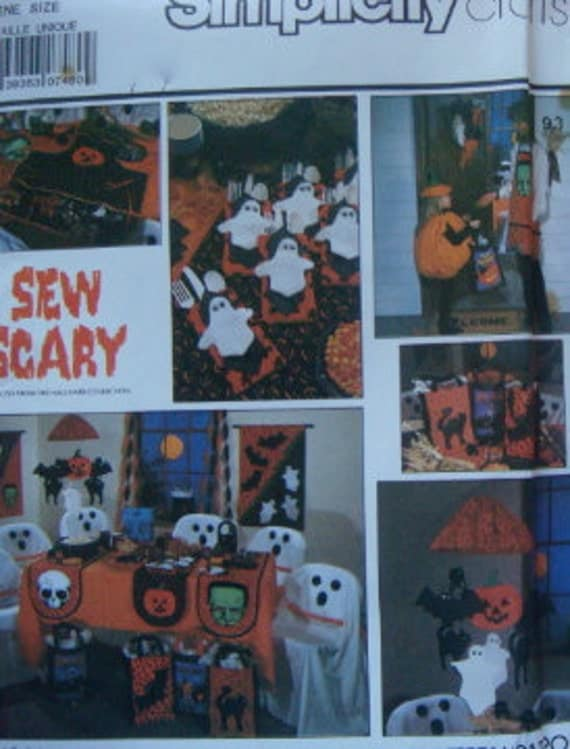 SIMPLICITY CRAFT Vintage Halloween Pattern Wreath, Mobile, Apron, Tote Bag, Chair Cover, Banner, Table Runner, Buffet Caddy 1988