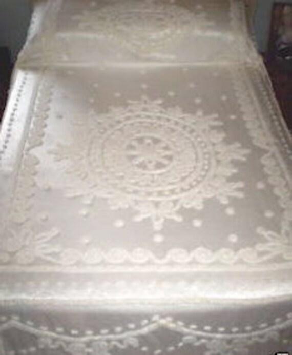 Bridal White Everwear Vintage Chenille on Satin Bedspread