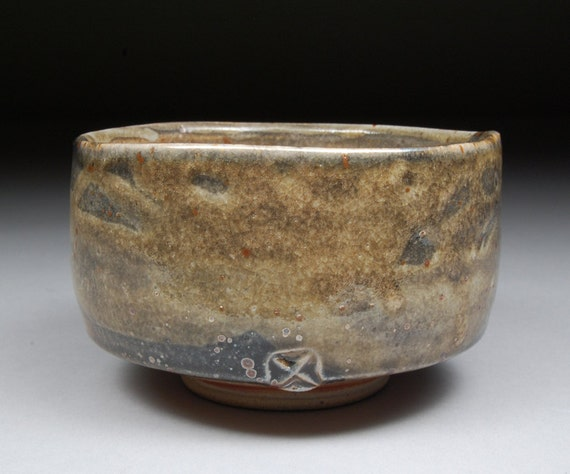 Matcha Chawan Teabowl Tea Ceremony Glazed with Nice Carbon Trap Shino