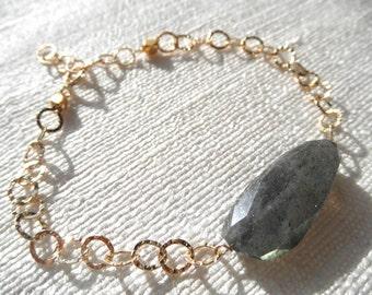 Large labradorite nugget bracelet - gold bracelet - K A T E 077