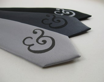 Ampersand Skinny Tie - Italic Style