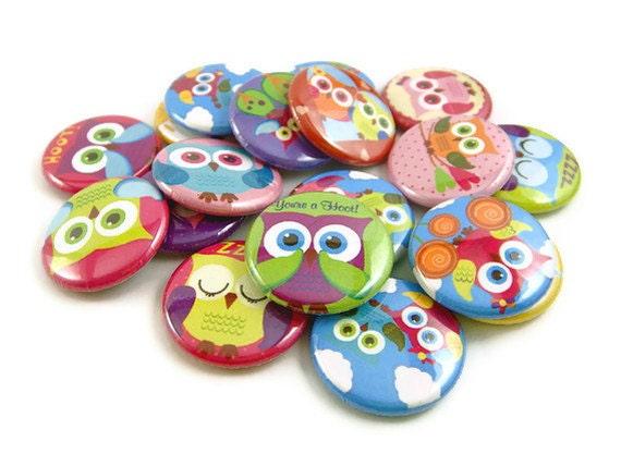 18 Retro Owl Buttons, Pinback Buttons, Owl Flat Back Buttons, Rainbow Owl Buttons, Owl Party Favors