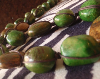 Knotted green turquoise necklace