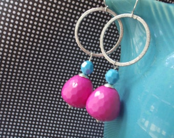 Vintage fuschia lucite and silver hoop glam earrings