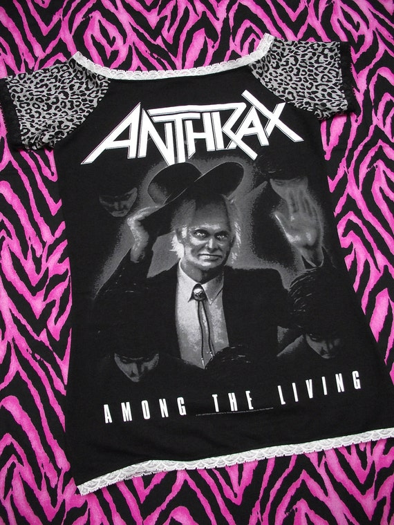 Anthrax Women's T-Shirt // Off Shoulder // Size Small // Music Alternative Rock Goth Animal Print Lace