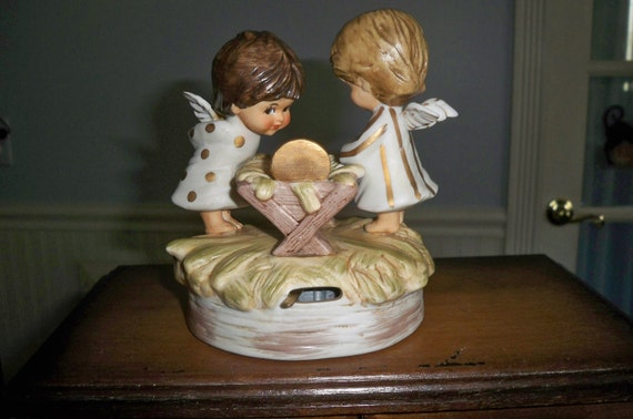 "1973 signed Gorham  Music Box 'Moppets"" Angels Adoring Baby Jesus"