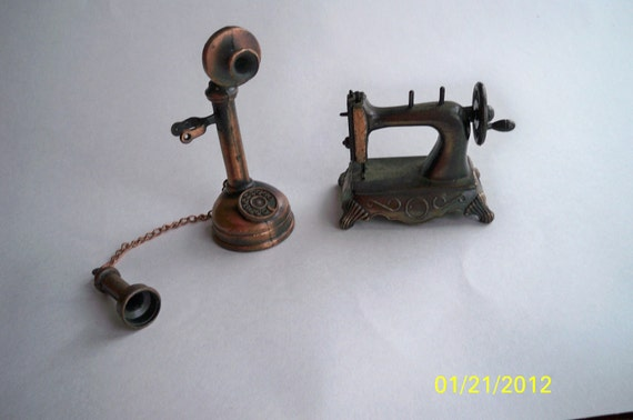 Die-Cast Sewing Machine and Telephone Pencil Sharpeners