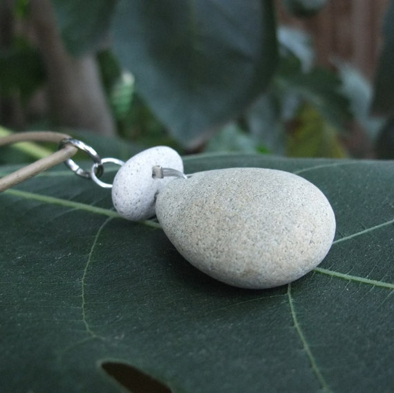 Beach pebble  necklace - Natural stone jewelry