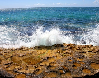 Papa'iloa - Oahu North Shore Hawaii Lost Beach Ocean Blue Wave Crash Brown Rocks White Print - 5x7 Photograph