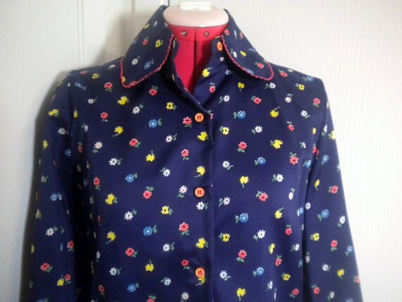 MadLex MAKEOVER SALE. 1970s Blue Calico Blouse. Vintage 70s Flower Power Shirt.