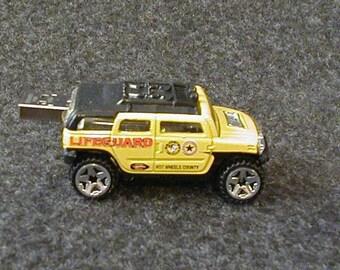 2 GB FLASH DRIVE / Lifeguard Hummer