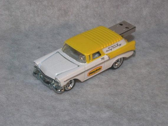 4GB 1956 Chevrolet Nomad Custom Flash Drive