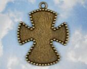 1 Large Bronze Maltese Cross Bezel Pendant Frame Settings - Embedded Beads Mosaics  (P984)