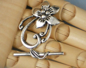 5 Sets Antiqued Silver Flower Oval Clasps with Leaf Toggle (P885)