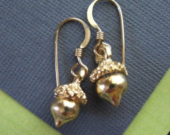 Acorn Earrings, Gold Acorn Earrings, Drop Earrings, Acorn Jewelry, Oak Jewelry, Gold Earrings, Dainty Jewelry, Everyday Earrings