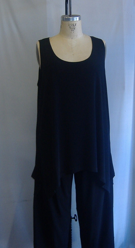 Coco and Juan Lagenlook Plus Size Black Rayon Traveler Knit Angled Tank Top Size 1 Fits 1X,2X Bust  to 52 inches