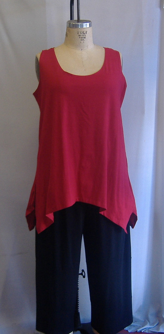 Coco and Juan Lagenlook Plus Size Red Traveler Knit Angled Tank Top Size 1 Fits 1X,2X Bust  to 52 inches