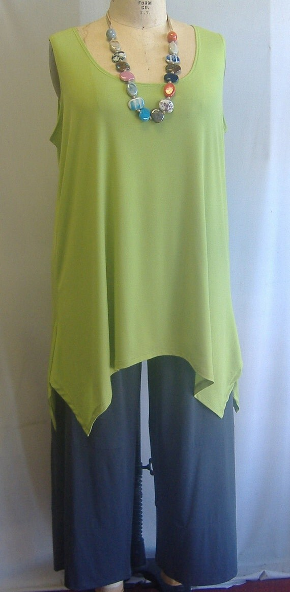 Coco and Juan Lagenlook Plus Size Kiwi Green Rayon Traveler Knit Angled Tank Top Size 1 Fits 1X,2X Bust  to 52 inches