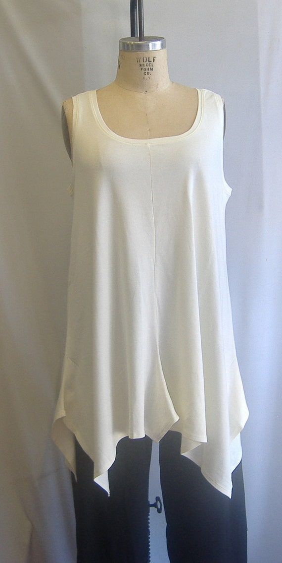Coco and Juan Lagenlook Plus Size Ivory Cotton Knit Angled Tank Top Size 1 Fits 1X Bust  to 48 inches