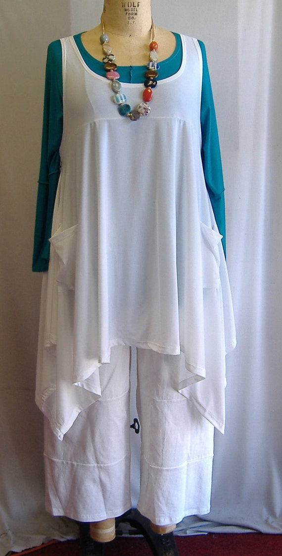 Coco and Juan Plus Size Top Lagenlook Layering Tunic Top White Traveler  Knit Size 1 Fits 1X,2X  Bust  to 51 inches