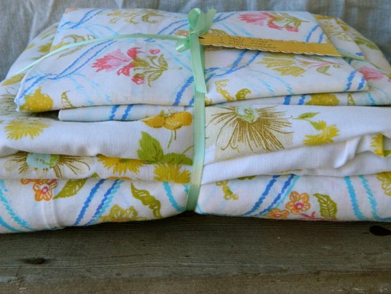 Vintage remixed Full sheet set in bright floral