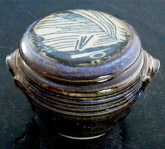 Stoneware French Butter Crock, Abstract Fish Line Drawing