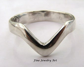 Handmade  Chevron  V Ring in Sterling Silver
